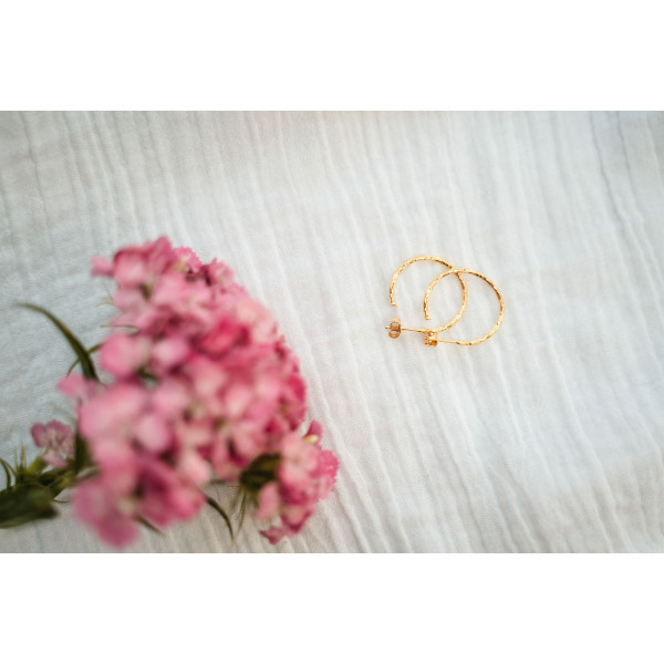 Hoops Pair Hammered Gold 18mm