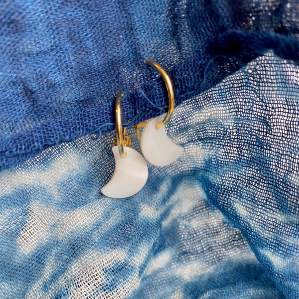 Moon Hoops With Shell Pair 14mm