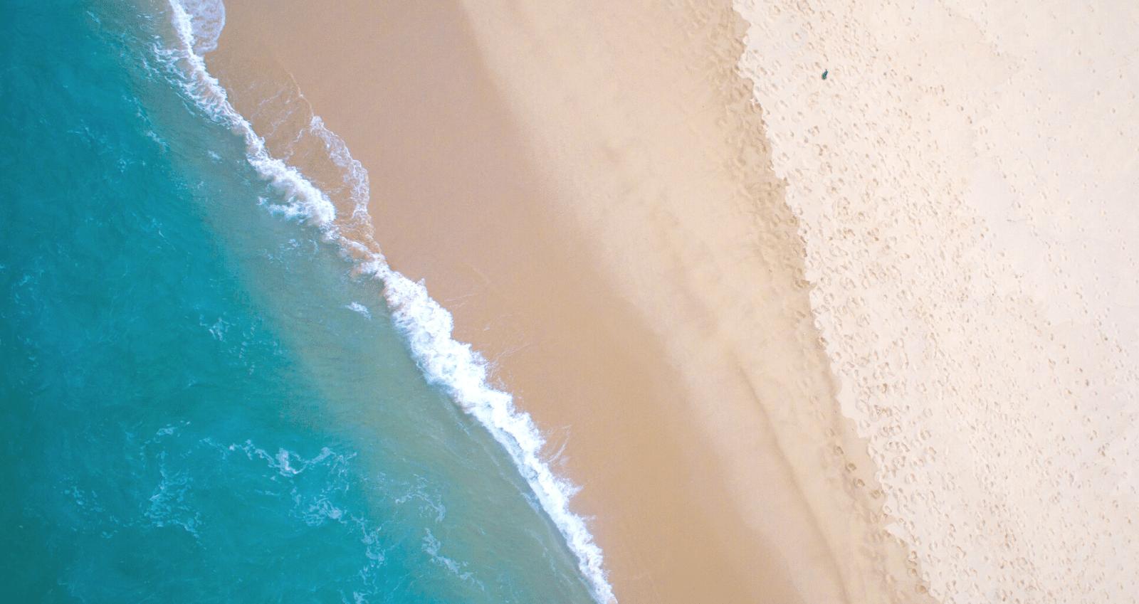 Banner Beach Essentials Blue